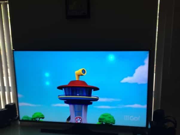 لکه سفید در صفحه تلویزیون